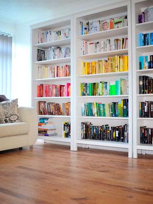 Organiza tu librero en colores
