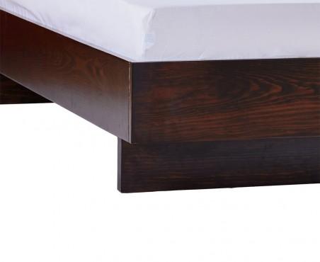 Detalle pata cama modelo Salamanca