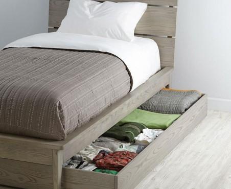 Utiliza la cama baja como cajón