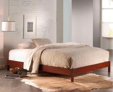 Habitación decorada con cama modelo Lisboa de Madera VIVA.