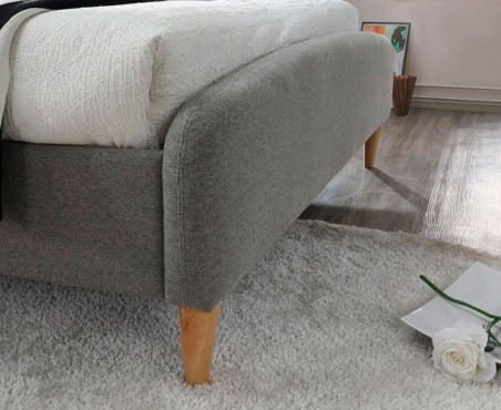 Detalle tapizado de cama modelo Ontario