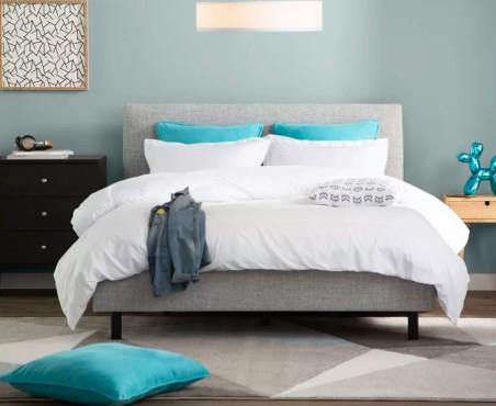Cuarto dormitorio decorado con cama modelo Lyon