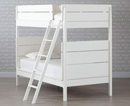 Hermosa cama tipo litera para habitación de niños y niñas.
