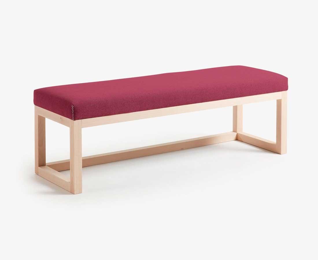 Taburete de madera modelo puebla fabricado con madera for Modelos de sillas para barra en madera