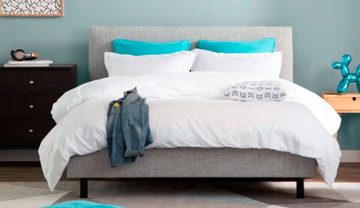 Cama tapizada en tela lino y poliéster modelo Lyon de Madera VIVA